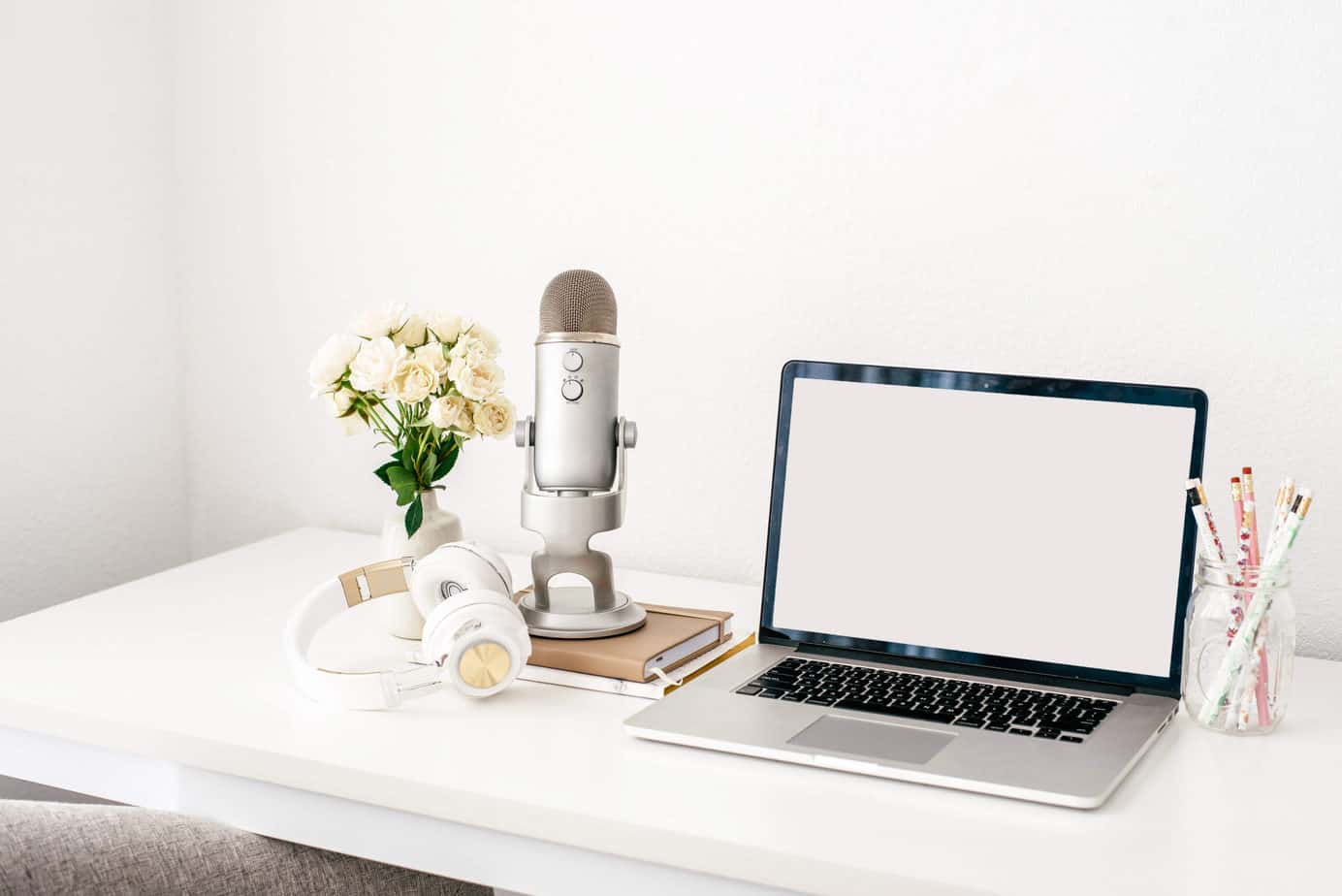 Computer on white desk,flowers in vase, Blog By Number Course Review post